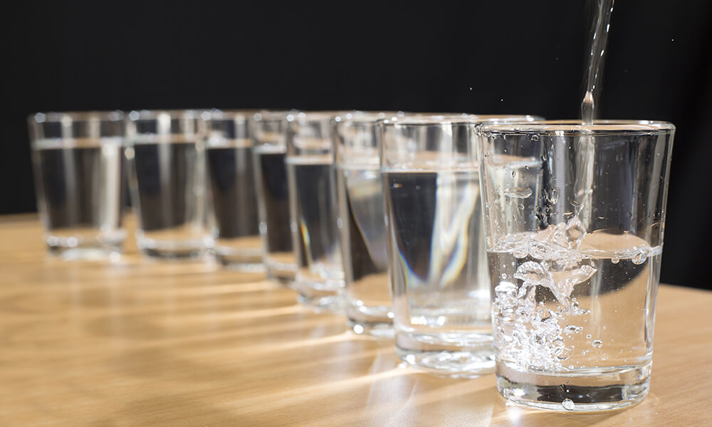 eight glasses of water, a visual depiction of the 8x8 rule